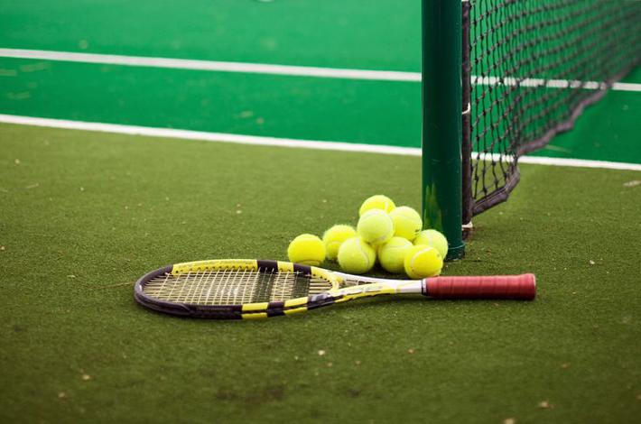 Panacea Retreat酒店的网球场