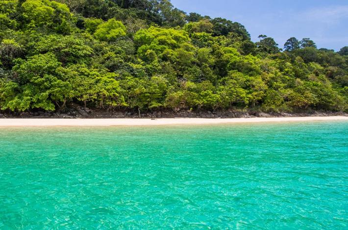 董里群岛白海滩
