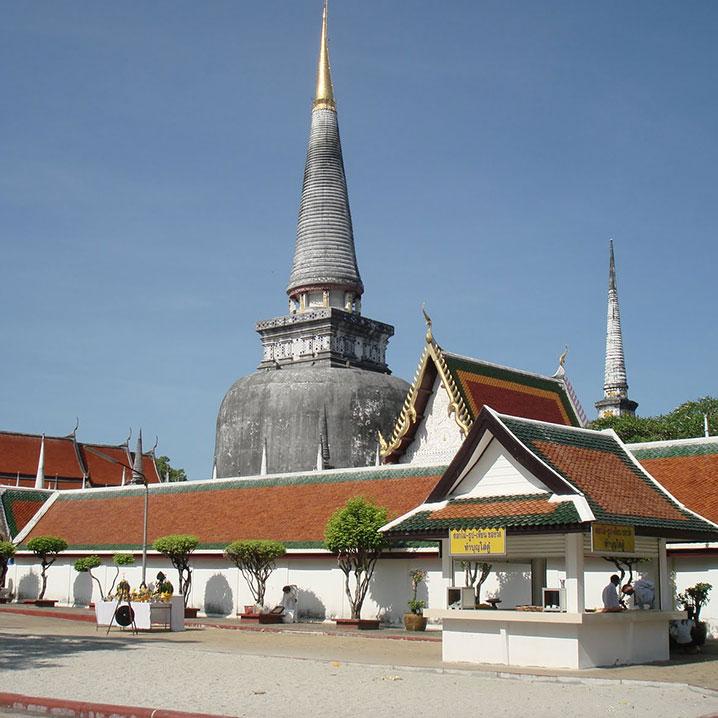 萬佛節在洛坤府