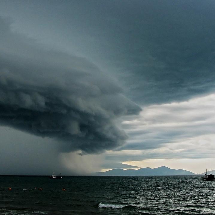 苏梅岛海上的暴风雨