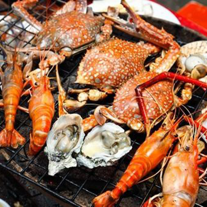 芭提雅很Local的自助海鲜烧烤SUDKHE,花80块就能做这些事...