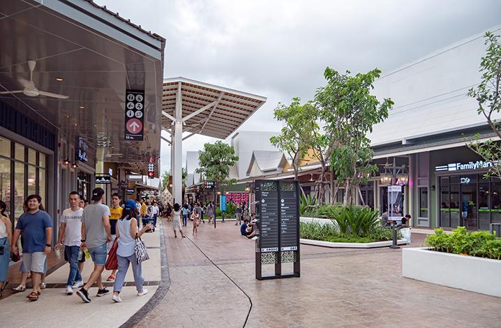 曼谷首家奥特莱斯打折村Central Village