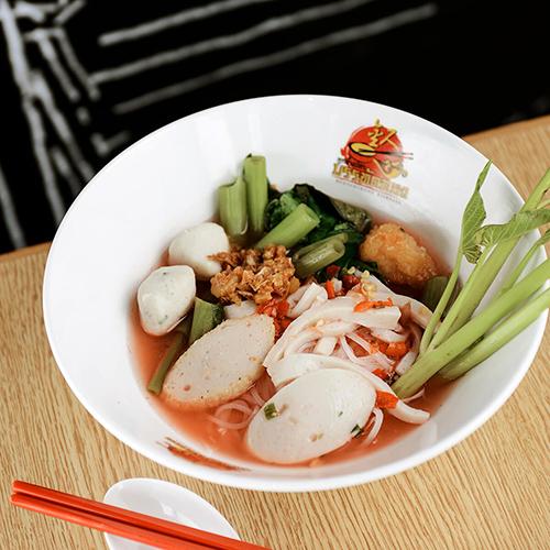 曼谷市区王权免税店美食